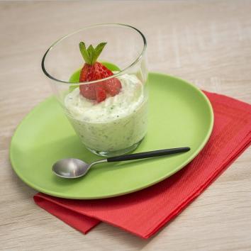 Verrine citron vert, fraise, basilic